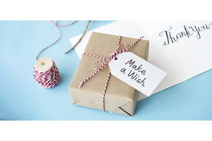 """Подарить """"шуточный"""" подарок, чтобы отличиться"""