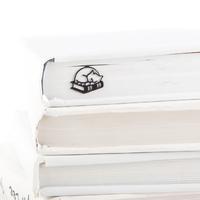 """Закладка для книг """"Кошка на книгах"""""""