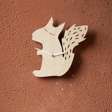 """Деревянные часы """"Белочка"""""""