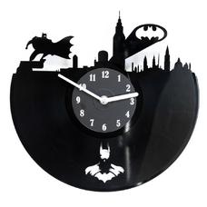 """Виниловые часы """"Batman in the city"""""""