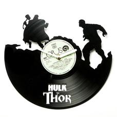 """Виниловые часы """"Hulk VS Thor"""""""