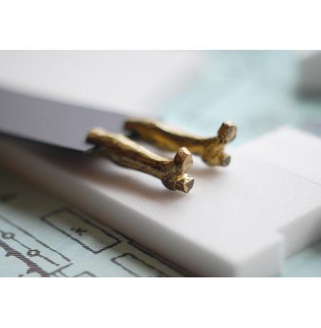 """Закладка для книг """"Золотые ноги"""