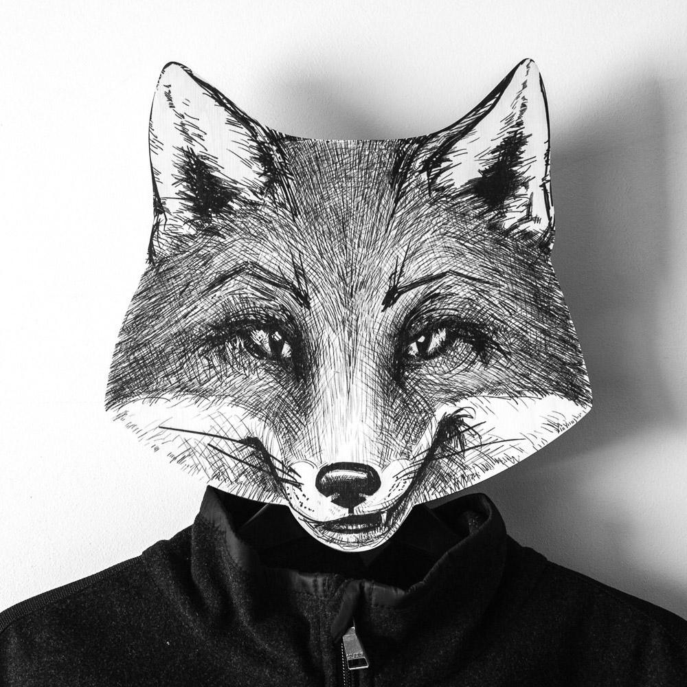 Вешалка в виде лисы, подарок начальнице