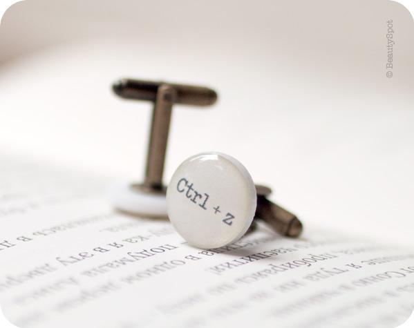 "Запонки ""Ctrl + Z"", запонки в виде клавиш"