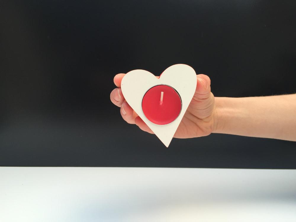 Подсвечник в виде сердца